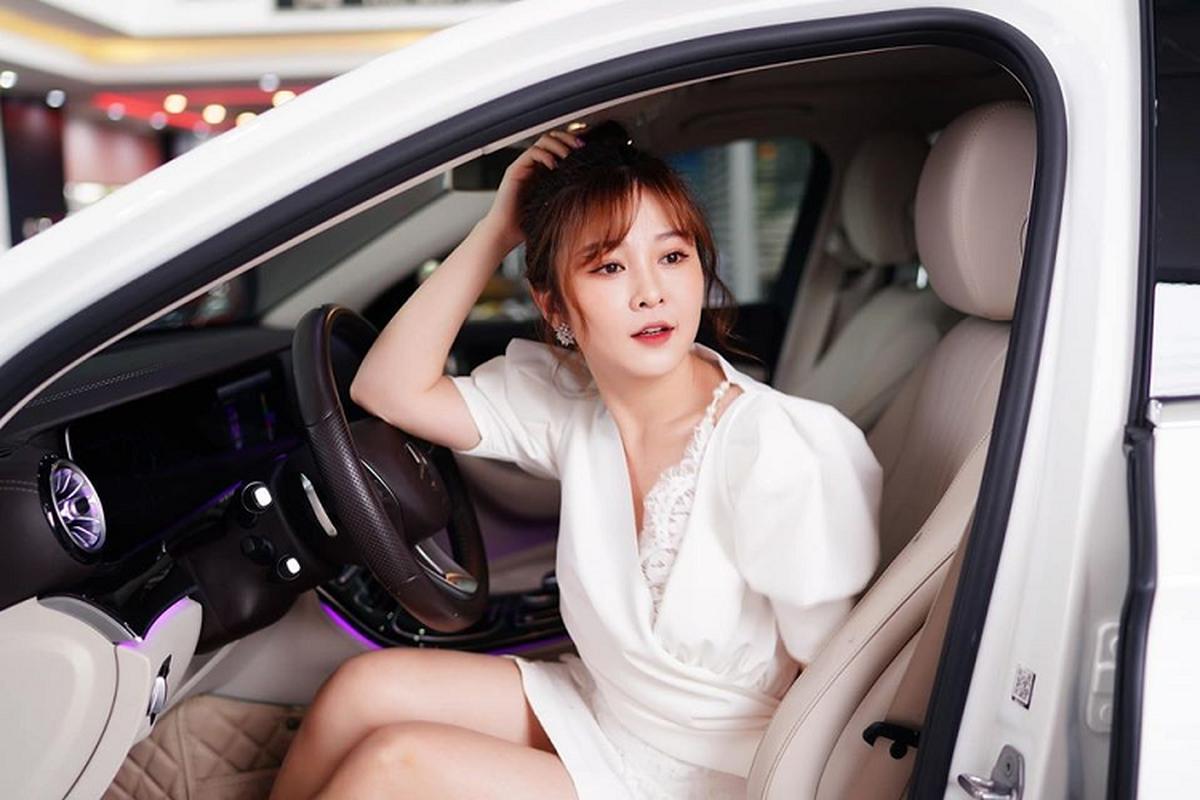 Hot girl Ribi Sachi tau xe sang Mercedes-Benz gan 2,5 ty dong-Hinh-4