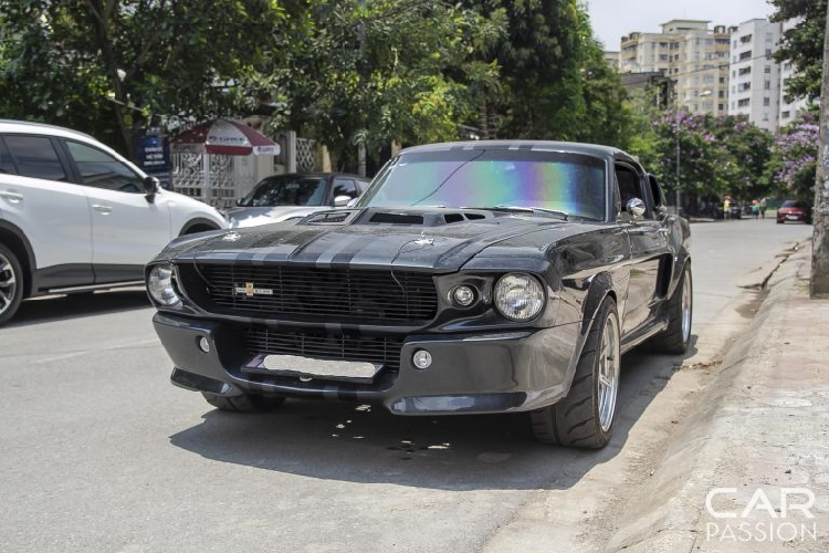 Chi tie Ford Mustang do GT500 Eleanor doc nhat Viet Nam