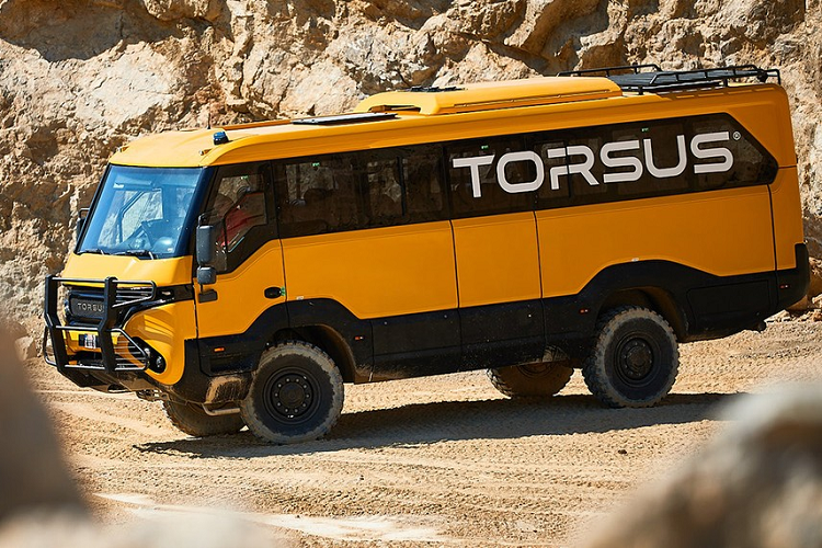 "Torsus Praetorian 4x4 - xe buyt off-road ""ba dao"" nhat hanh tinh-Hinh-2"