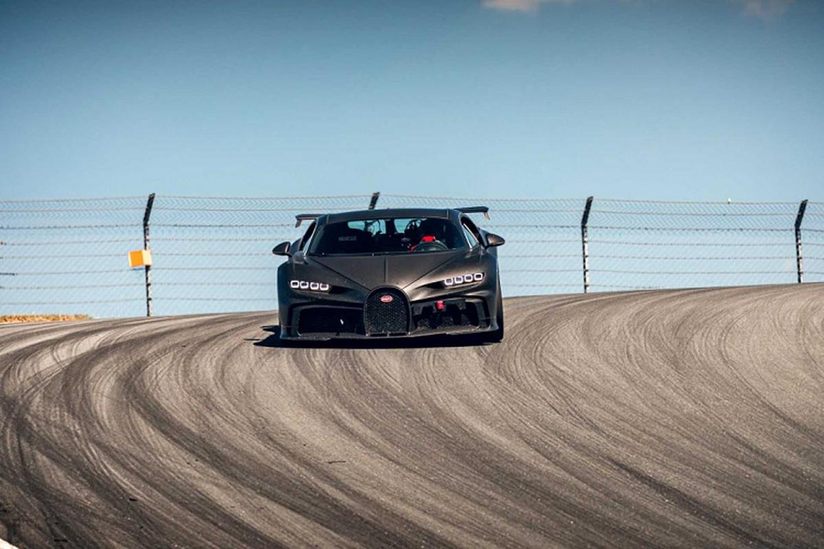 Bugatti thu nghiem sieu xe Chiron Pur Sport tren duong dua-Hinh-10