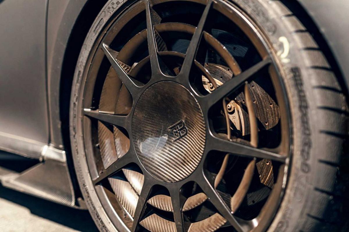 Bugatti thu nghiem sieu xe Chiron Pur Sport tren duong dua-Hinh-3