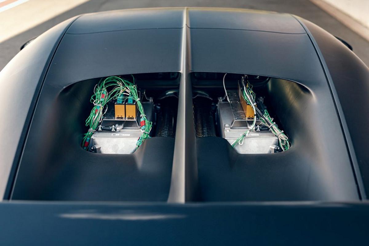 Bugatti thu nghiem sieu xe Chiron Pur Sport tren duong dua-Hinh-5