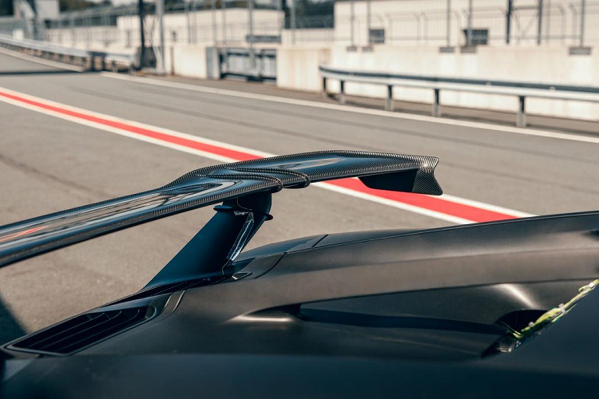 Bugatti thu nghiem sieu xe Chiron Pur Sport tren duong dua-Hinh-7