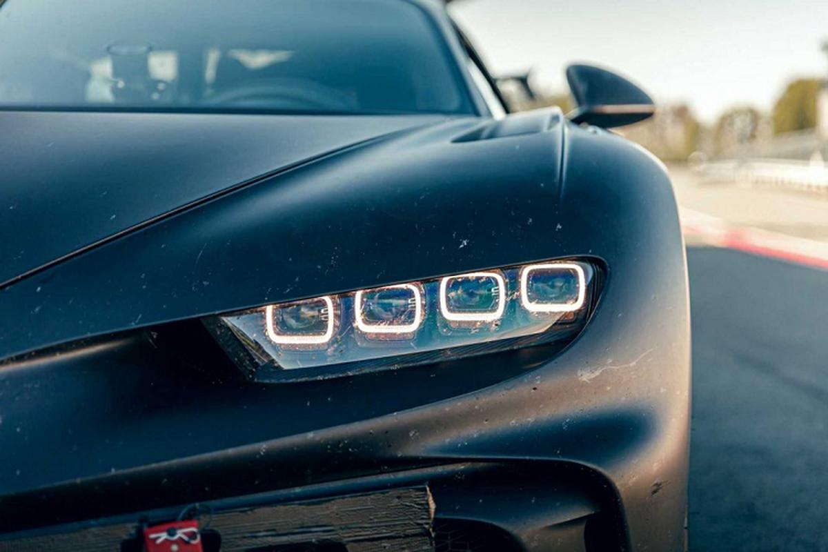Bugatti thu nghiem sieu xe Chiron Pur Sport tren duong dua-Hinh-8