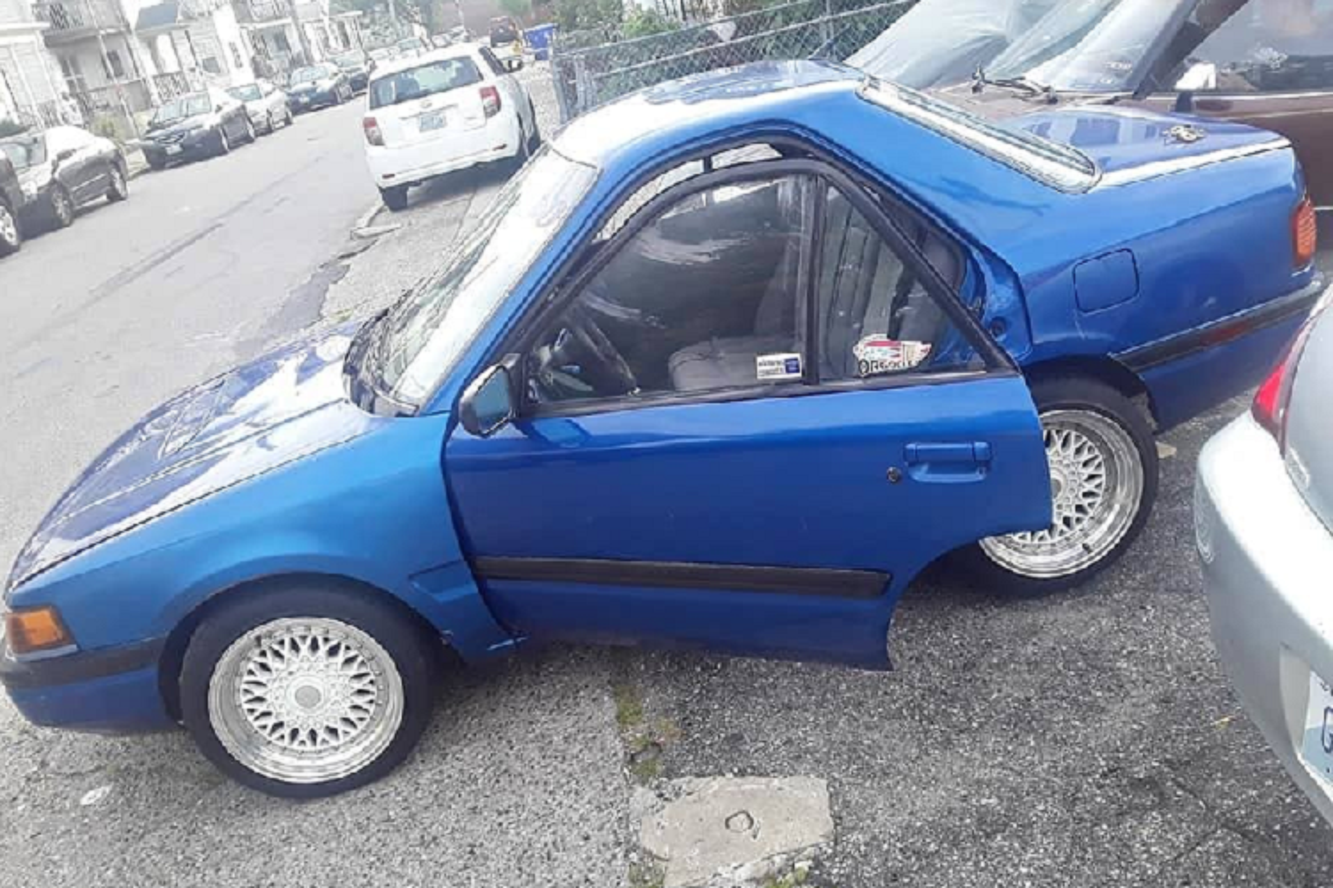 "Mazda Protege ""ngan tun"", sieu di nay rao ban chi 51 trieu dong"