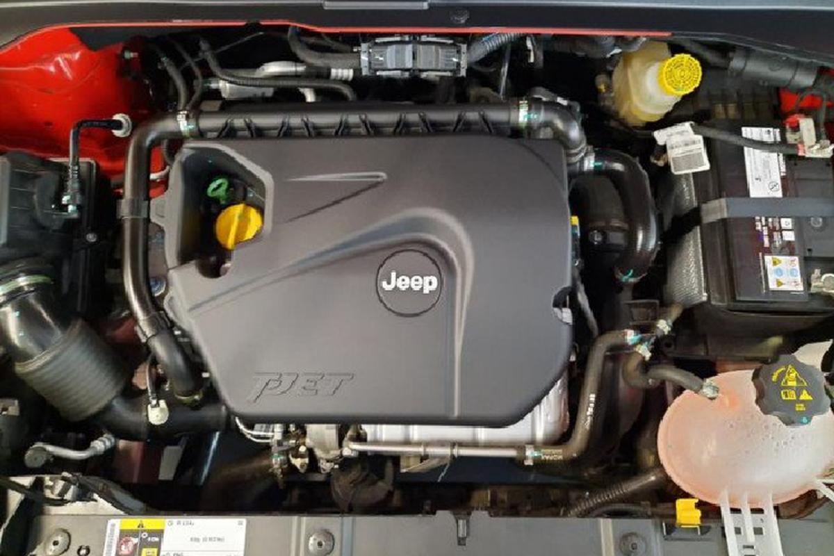 Jeep Renegade 2020 moi tu 753 trieu dong ra mat Dong Nam A-Hinh-4