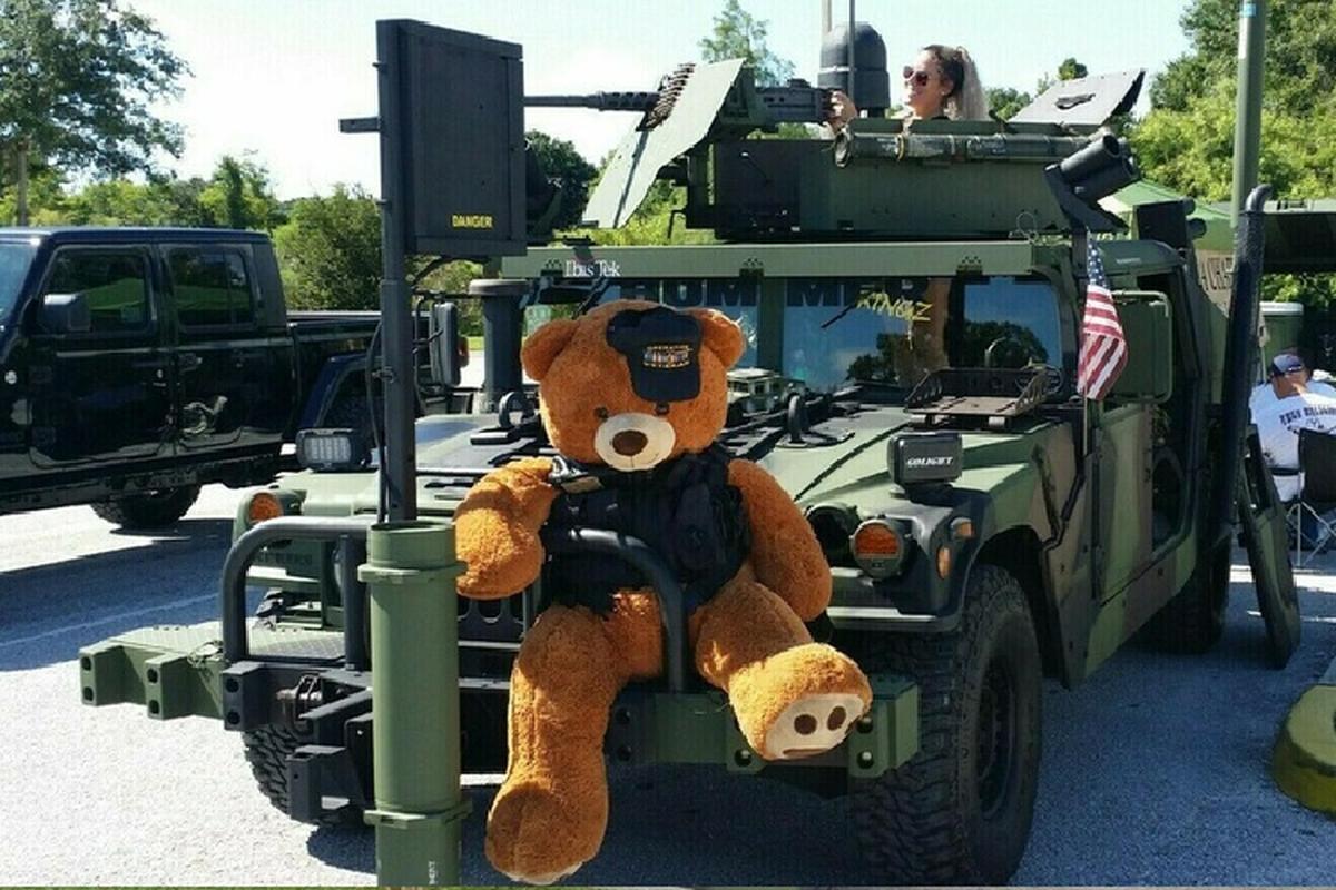 Xe quan su Humvee gan sung may rao ban hon 2 ty dong-Hinh-6