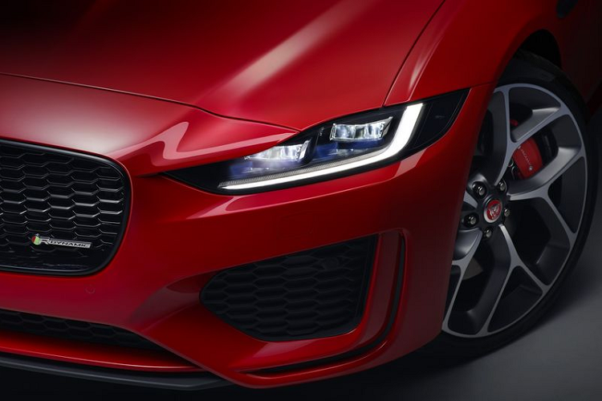 Jaguar XE 2020 se ra mat Viet Nam voi hai phien ban-Hinh-5