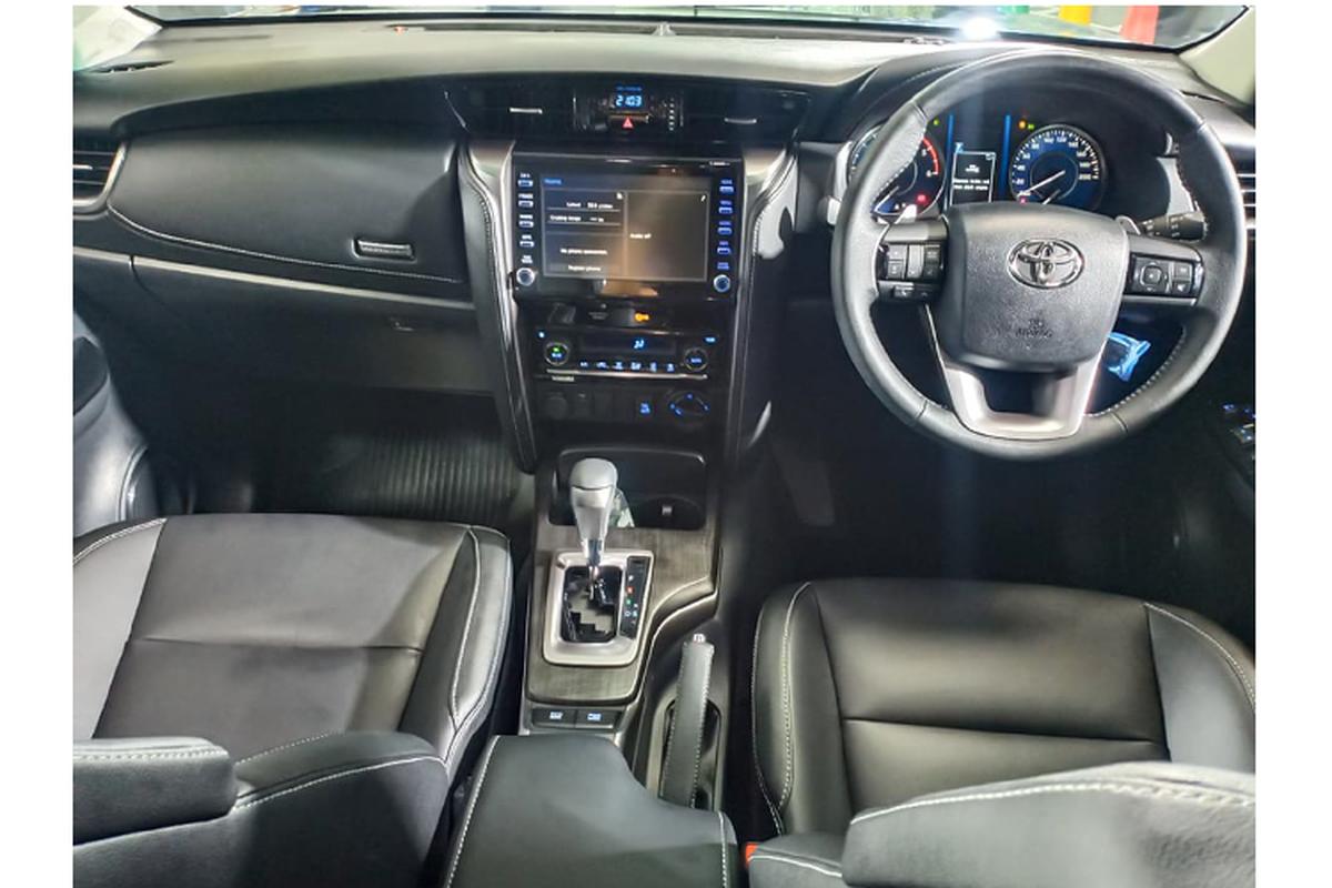 Toyota Fortuner 2021 ban 2.4 tieu chuan bi che it trang bi?-Hinh-5