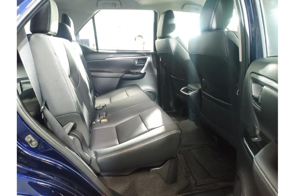 Toyota Fortuner 2021 ban 2.4 tieu chuan bi che it trang bi?-Hinh-8