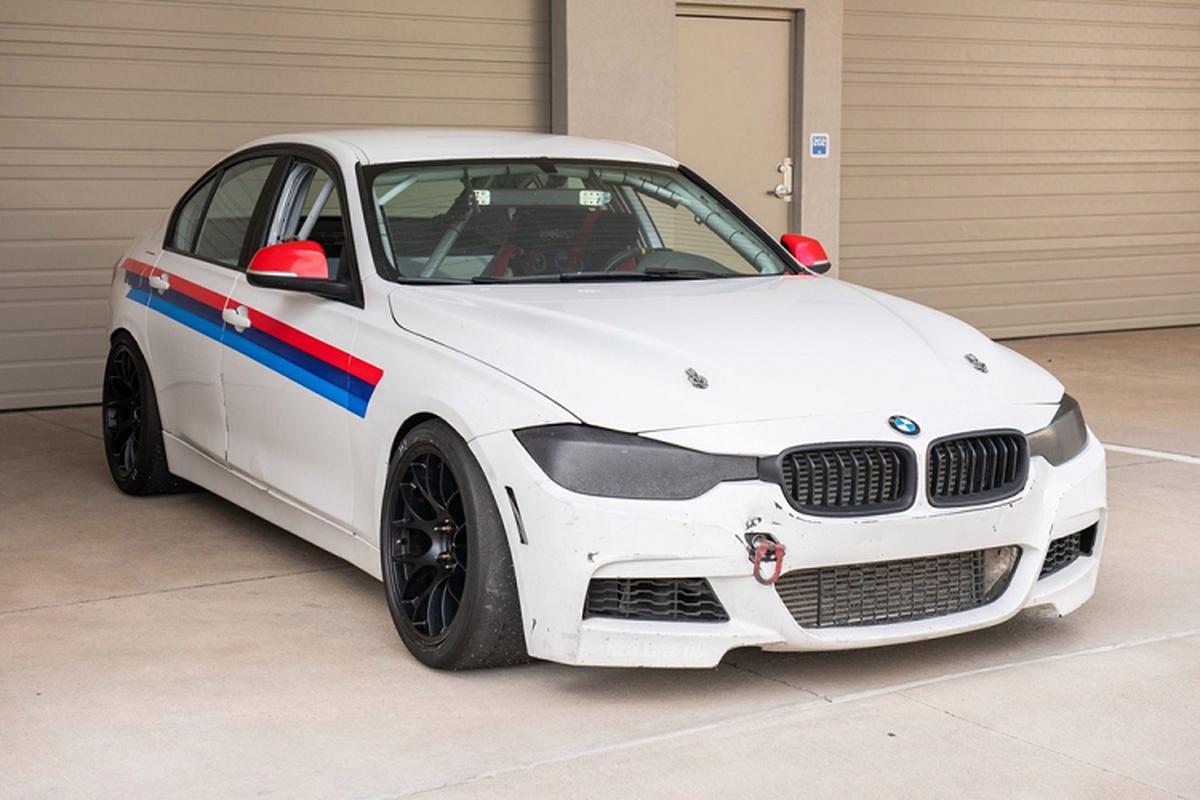 BMW 3-Series phien ban xe dua - khong den, khong ghe sau-Hinh-8