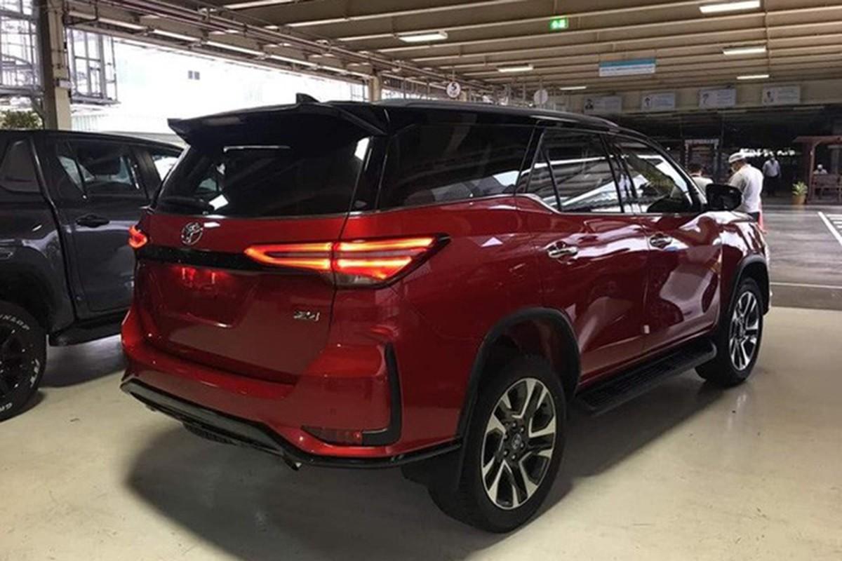 Chi tiet Toyota Fortuner Legender 2021 tu hon 1 ty dong-Hinh-3