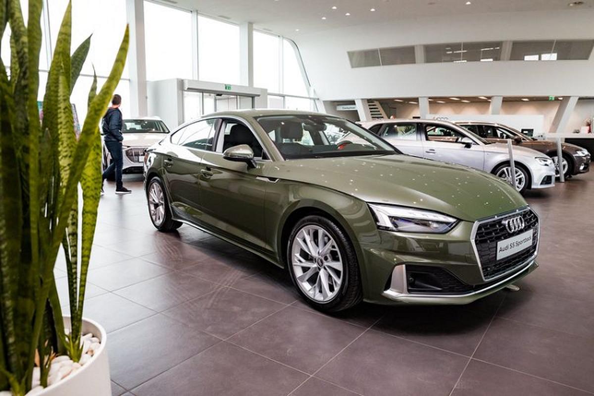 Audi A5 Sportback 2020 lich lam voi ngoai that xanh quan doi