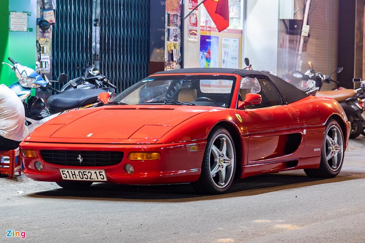 Ferrari 355 F1 Spider hon 20 nam tuoi,