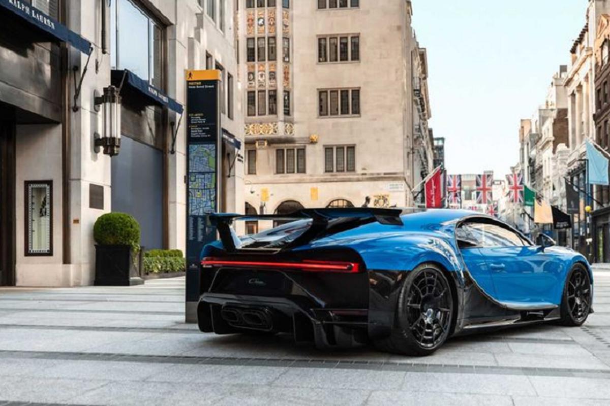 Sieu pham Bugatti Chiron Pur Sport da co mat tai London-Hinh-2