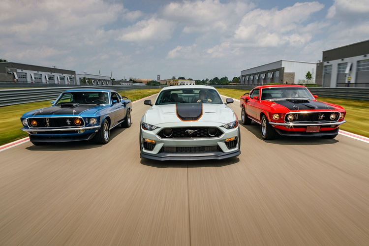 Ford Mustang Mach 1 - huyen thoai sanh vai James Bond tai xuat