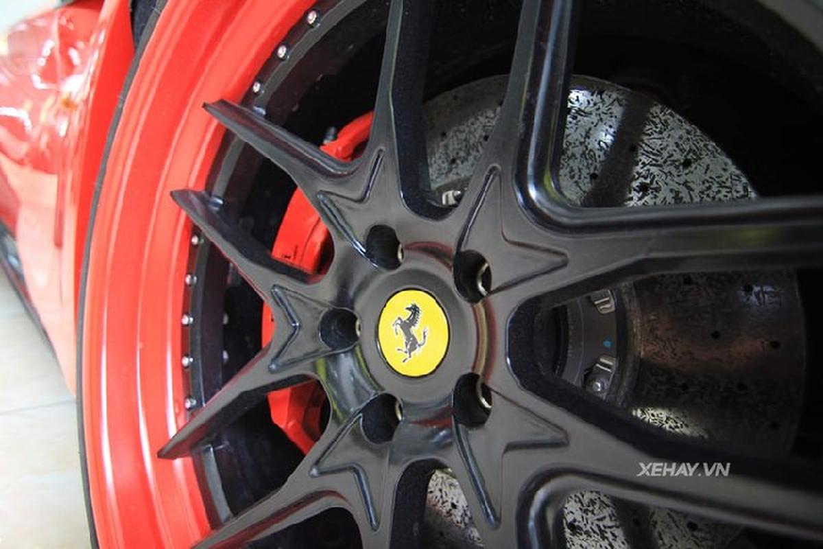 Ferrari F12 Berlinetta hon 20 ty, do bodykit doc nhat Viet Nam-Hinh-4