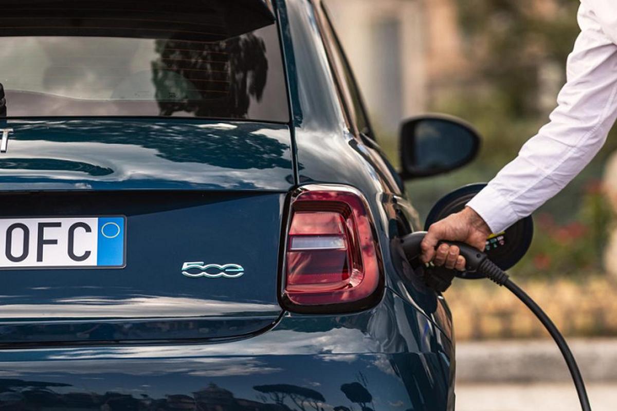 Fiat 500 2020 phien ban chay dien tu 34.160 USD-Hinh-7
