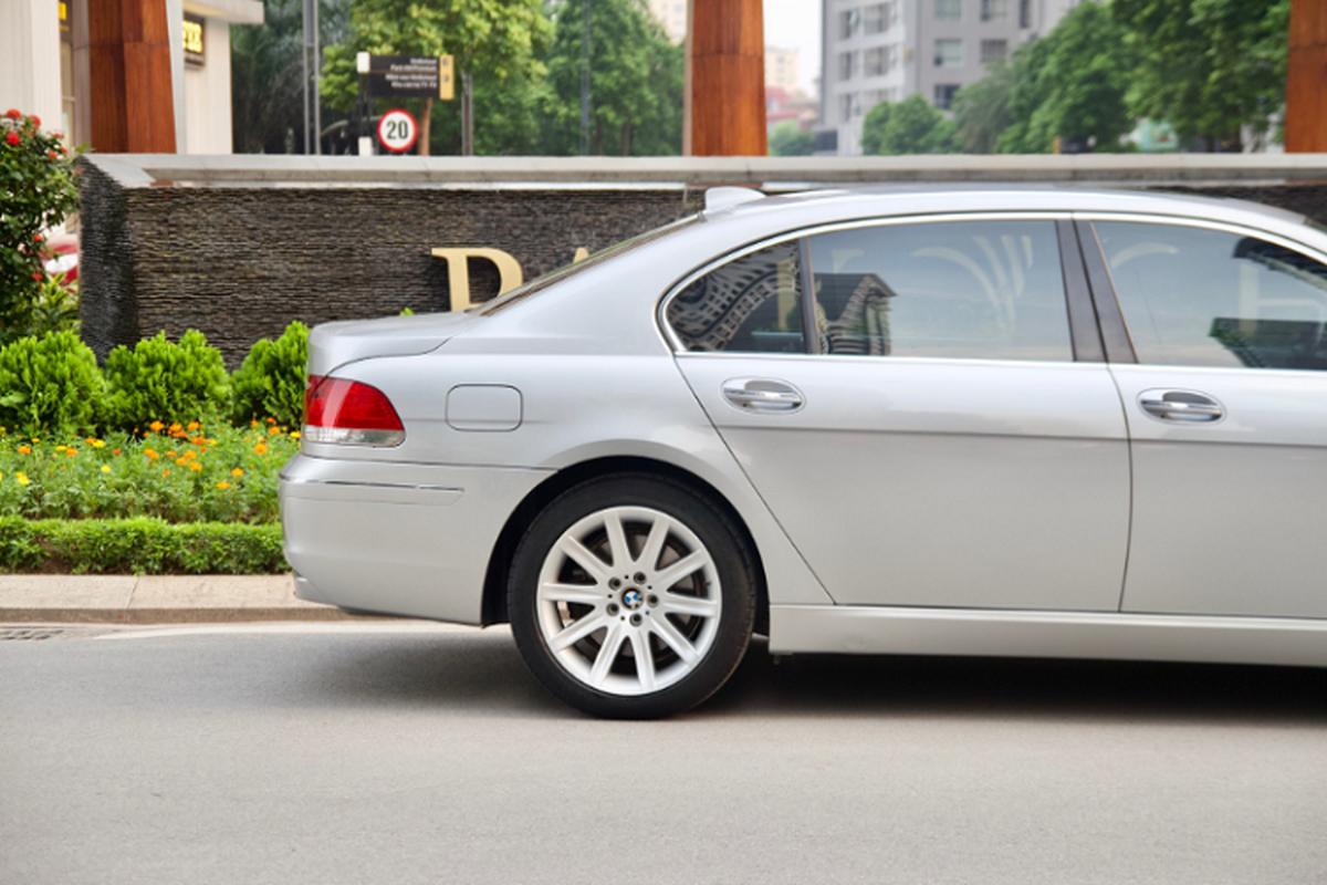 Xe sang BMW 750Li chay 14 nam ban gan 700 trieu o Binh Duong-Hinh-3