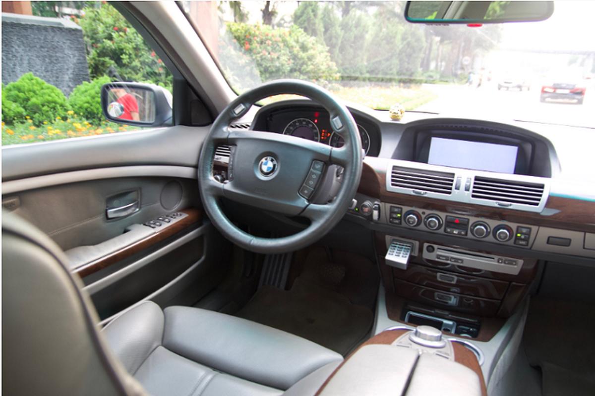 Xe sang BMW 750Li chay 14 nam ban gan 700 trieu o Binh Duong-Hinh-5