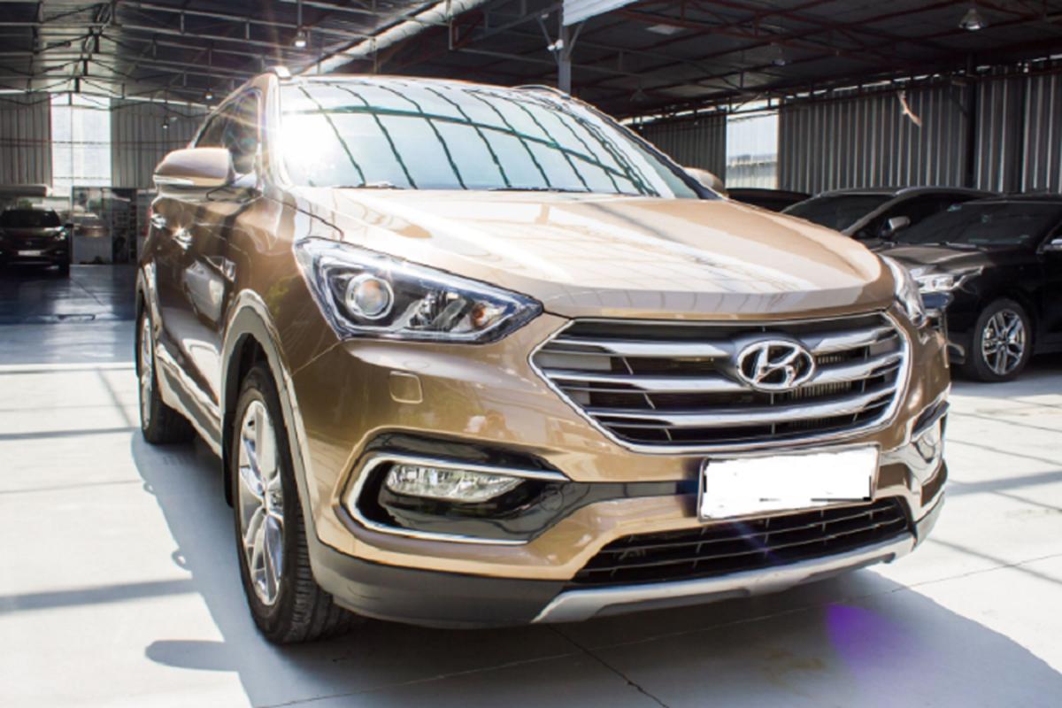 Co nen mua Hyundai SantaFe 2016 gan 900 trieu tren san xe cu?