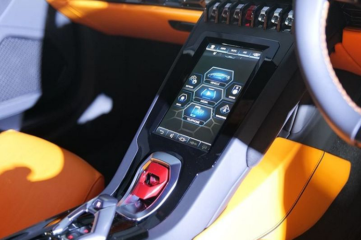 Lamborghini Huracan EVO RWD tai Hong Kong re hon Thai 3 ty dong-Hinh-4
