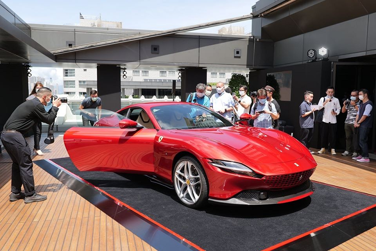 Sieu xe Ferrari Roma moi ban ra tu 9 ty dong tai Hong Kong-Hinh-2
