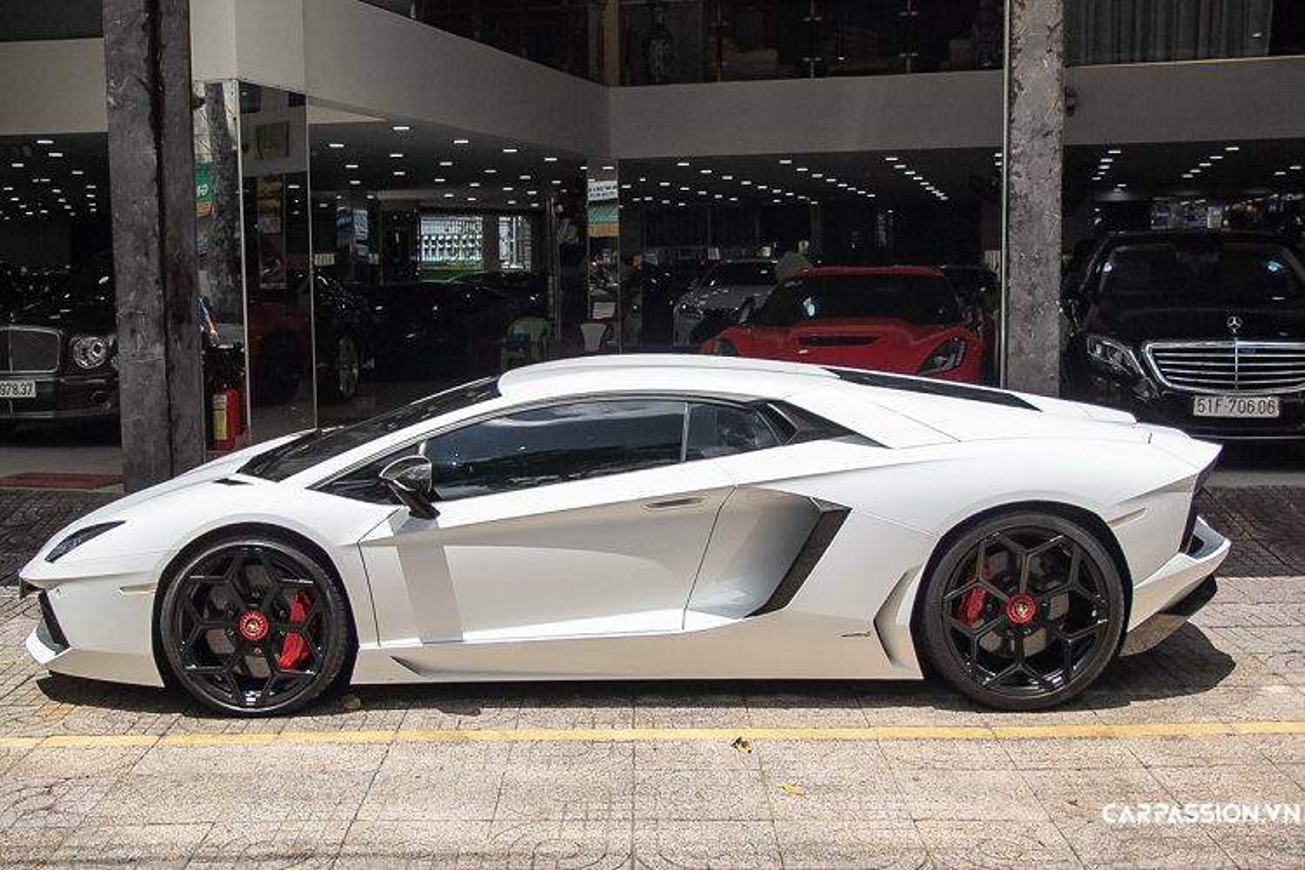 Lamborghini Aventador hon 20 ty, chinh hang doc nhat Viet Nam-Hinh-9