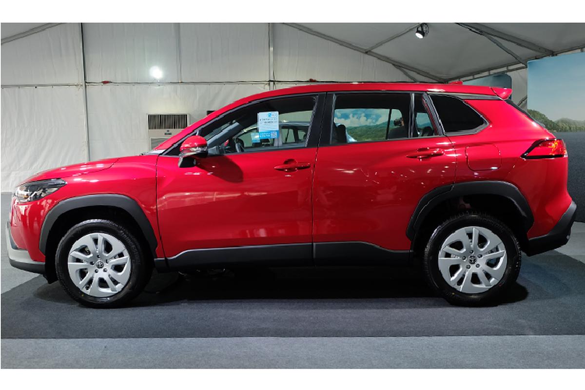 Toyota Corolla Cross 1.8 may xang trang bi co ngheo nan?-Hinh-10