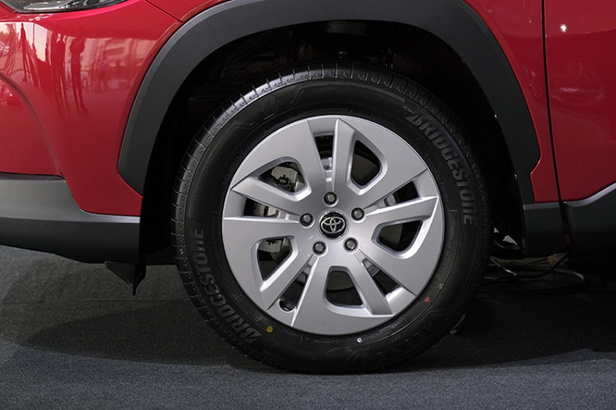 Toyota Corolla Cross 1.8 may xang trang bi co ngheo nan?-Hinh-4