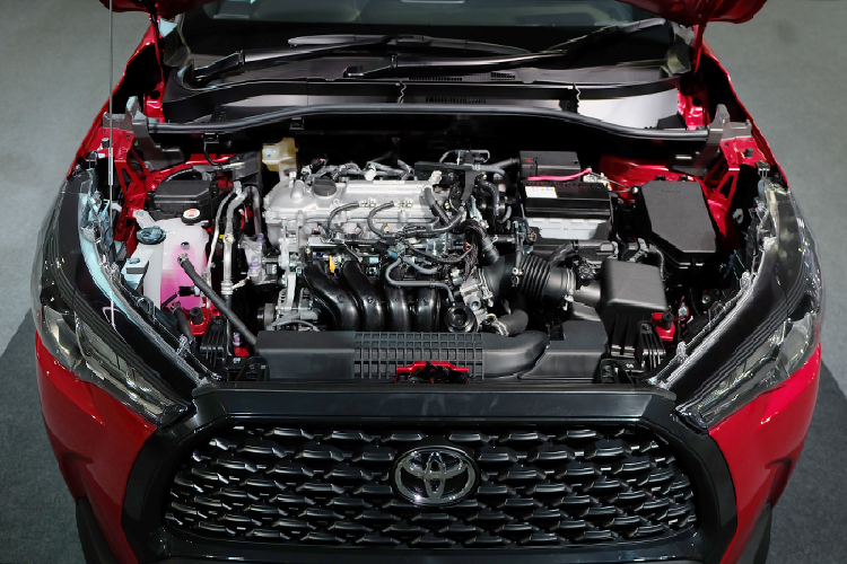 Toyota Corolla Cross 1.8 may xang trang bi co ngheo nan?-Hinh-5