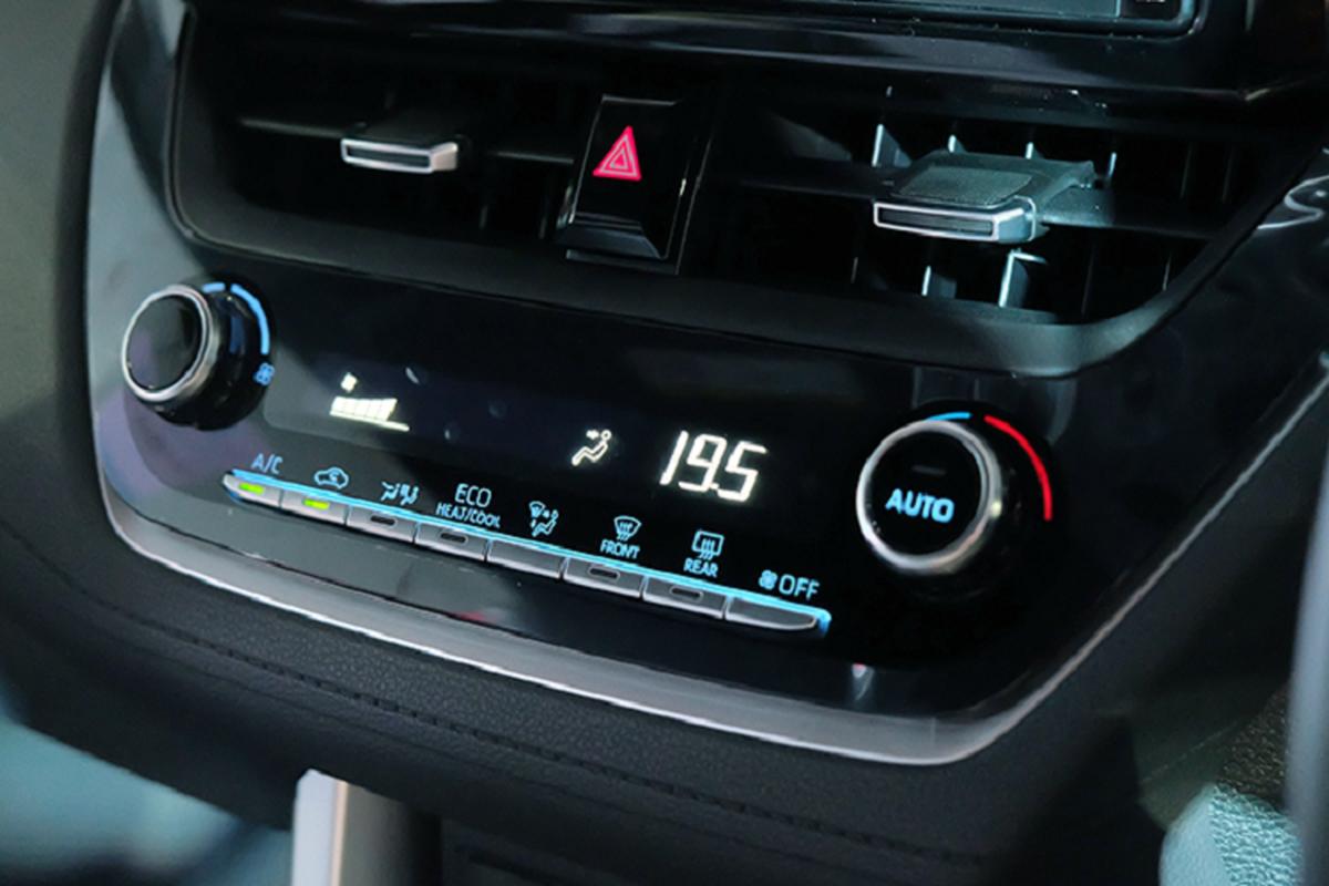 Toyota Corolla Cross 1.8 may xang trang bi co ngheo nan?-Hinh-7