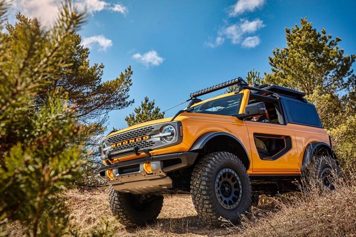Ford Bronco 2021 co xung dang la doi thu cua Jeep Wrangler?-Hinh-4