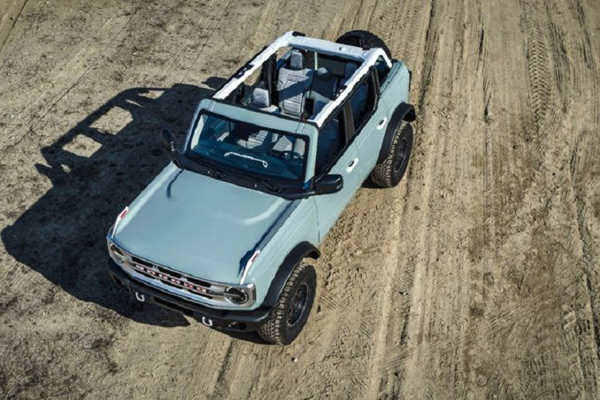 Ford Bronco 2021 co xung dang la doi thu cua Jeep Wrangler?-Hinh-5