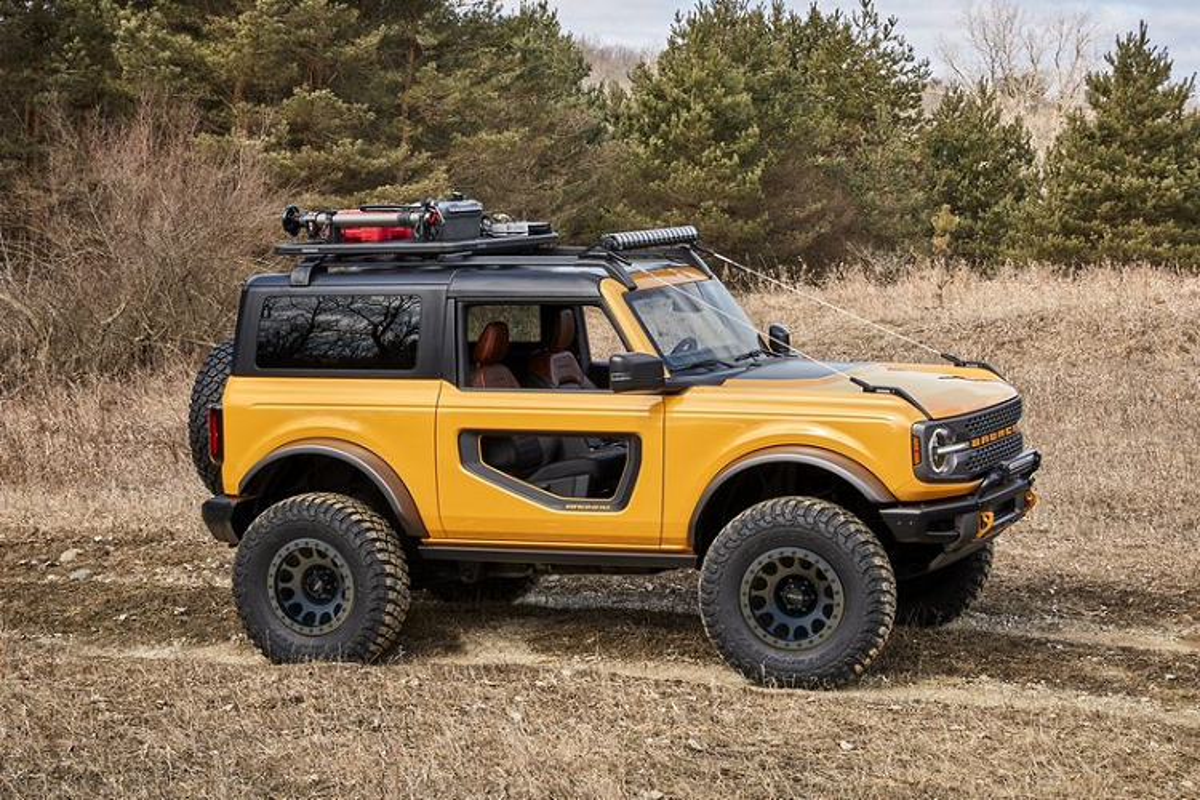 Ford Bronco 2021 co xung dang la doi thu cua Jeep Wrangler?-Hinh-7