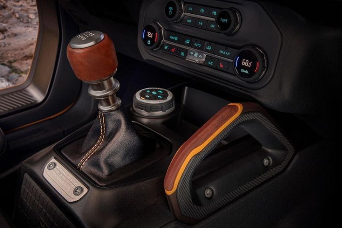 Ford Bronco 2021 co xung dang la doi thu cua Jeep Wrangler?-Hinh-8