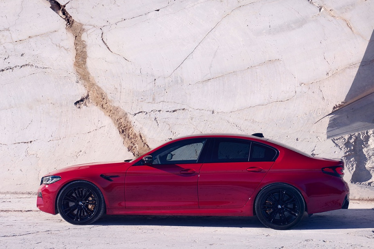 BMW M5 Competition 2021 ban ra toi hon 4 ty dong-Hinh-7