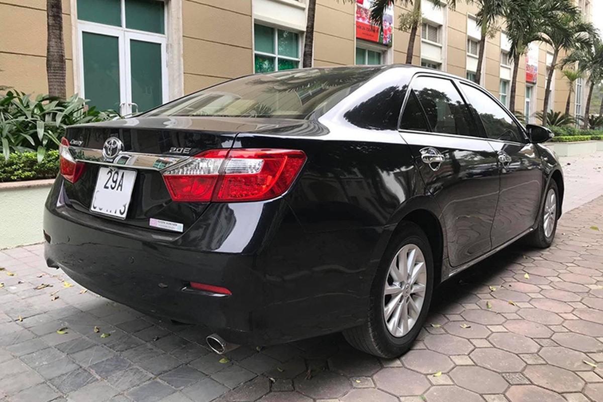 Toyota Camry dung 7 nam, hon 600 trieu dong o Ha Noi-Hinh-2