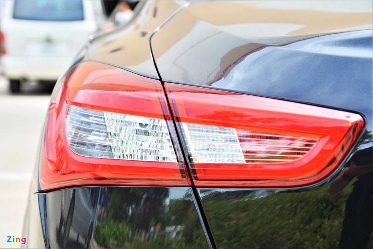 Can canh Maserati Ghibli tu 5,69 ty dong tai Viet Nam-Hinh-5