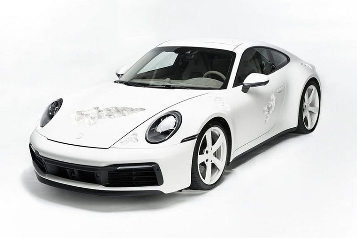 """Porsche 911 Carrera 4S trang tri pha le kieu """"an mon"""" doc dao"""
