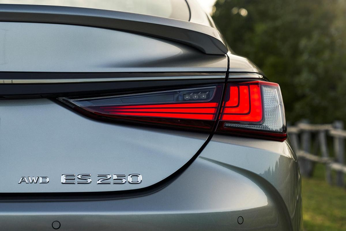 Lexus ES 2021 them dan dong AWD hon 900 trieu dong tai My-Hinh-3