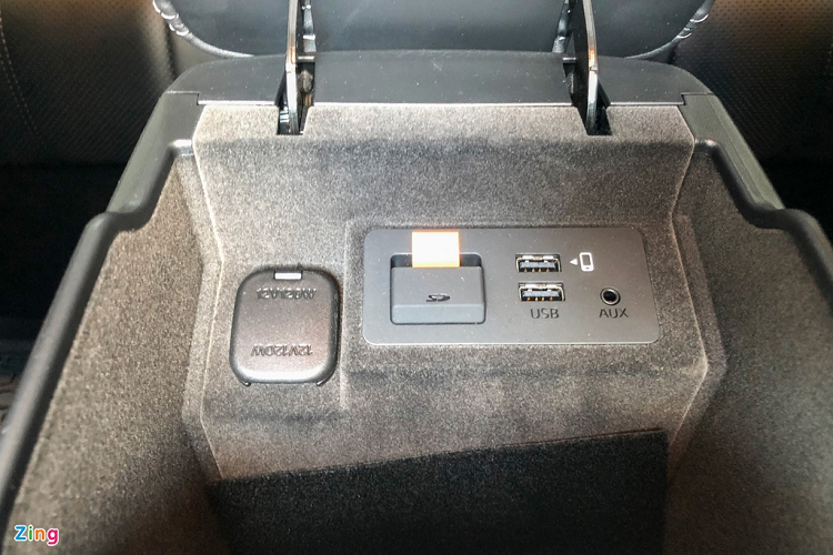 Mazda6 2.0L Premium 2020, doi thu Toyota Camry tai Viet Nam-Hinh-11