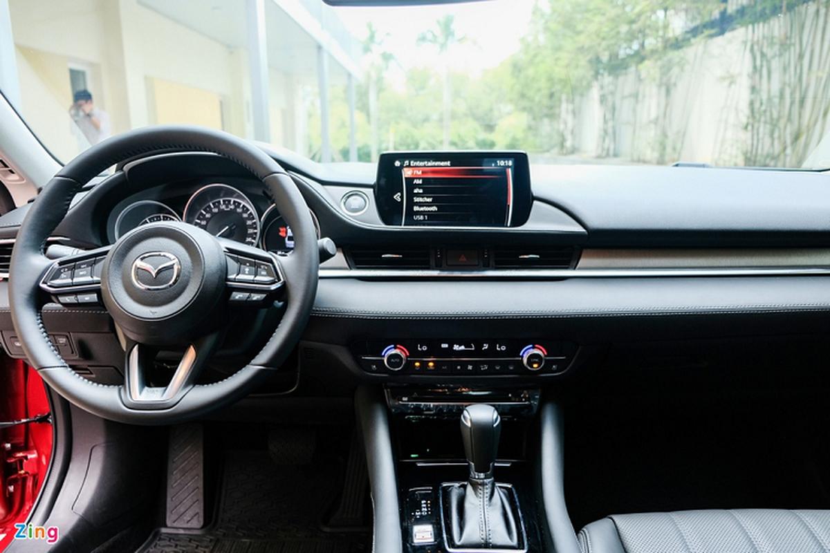 Mazda6 2.0L Premium 2020, doi thu Toyota Camry tai Viet Nam-Hinh-9