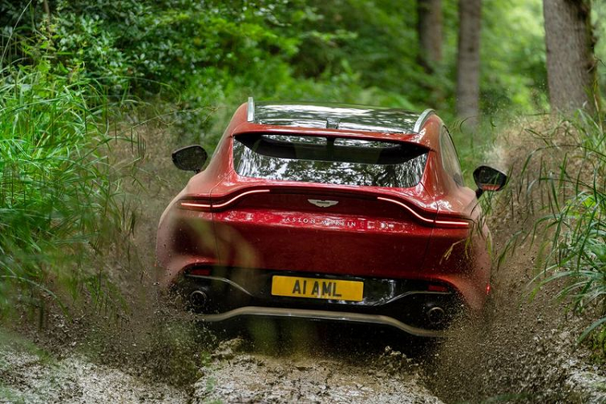 Sieu SUV Aston Martin DBX, co gi de canh tranh Lamborghini Urus?-Hinh-8