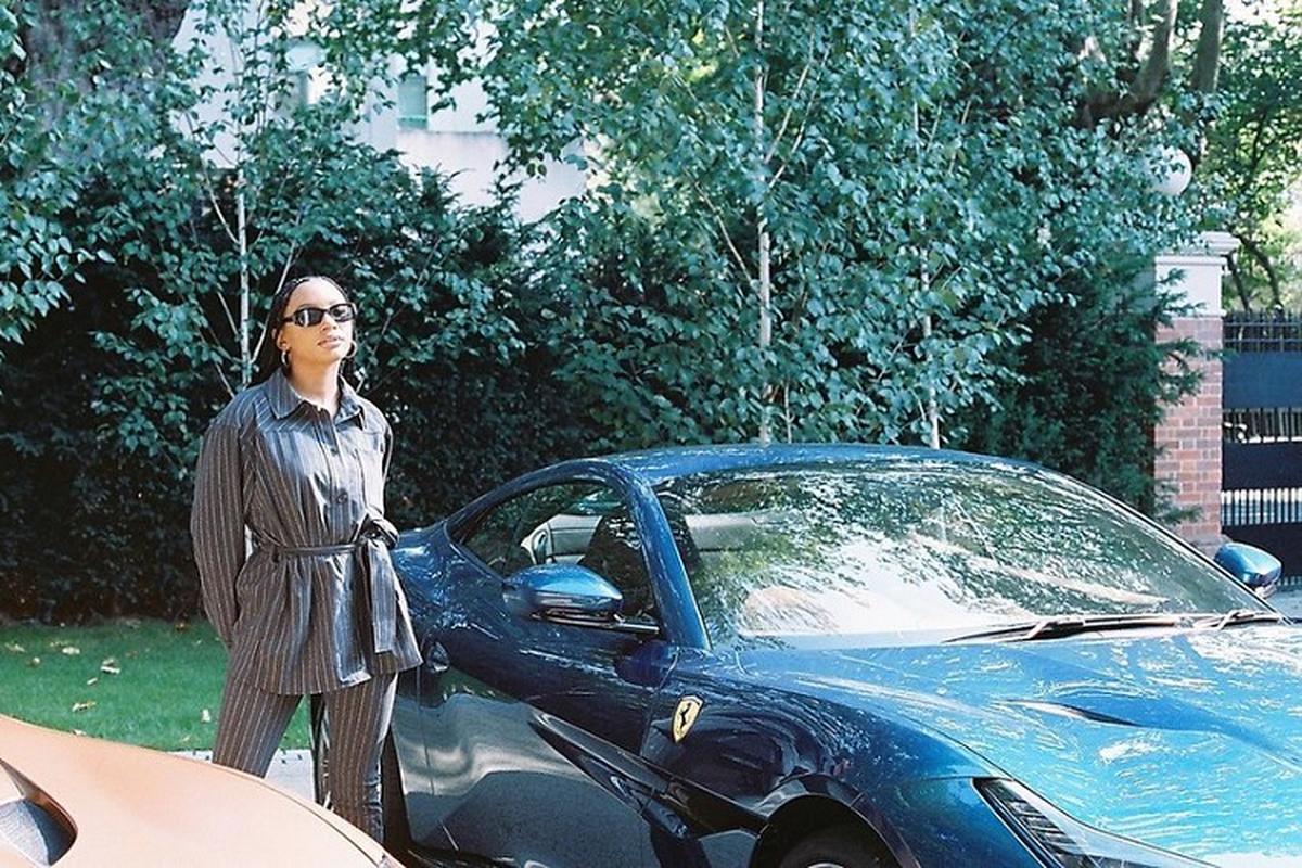 Ty phu Nigeria mua 3 sieu xe Ferrari Portofino tang con gai-Hinh-3