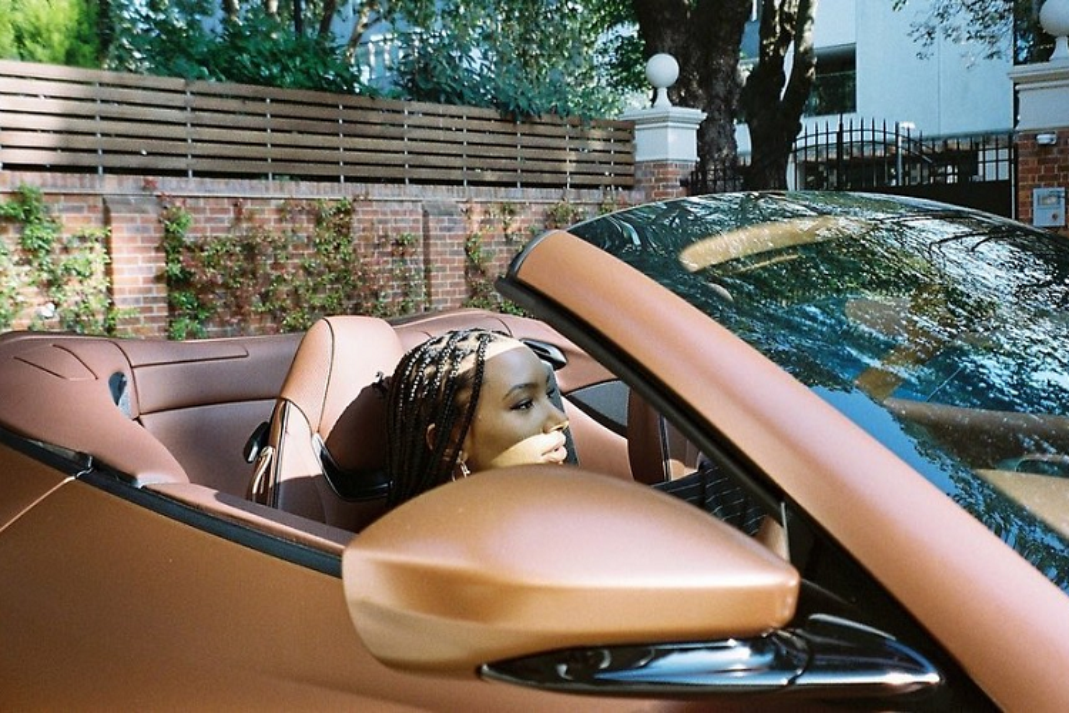 Ty phu Nigeria mua 3 sieu xe Ferrari Portofino tang con gai-Hinh-4