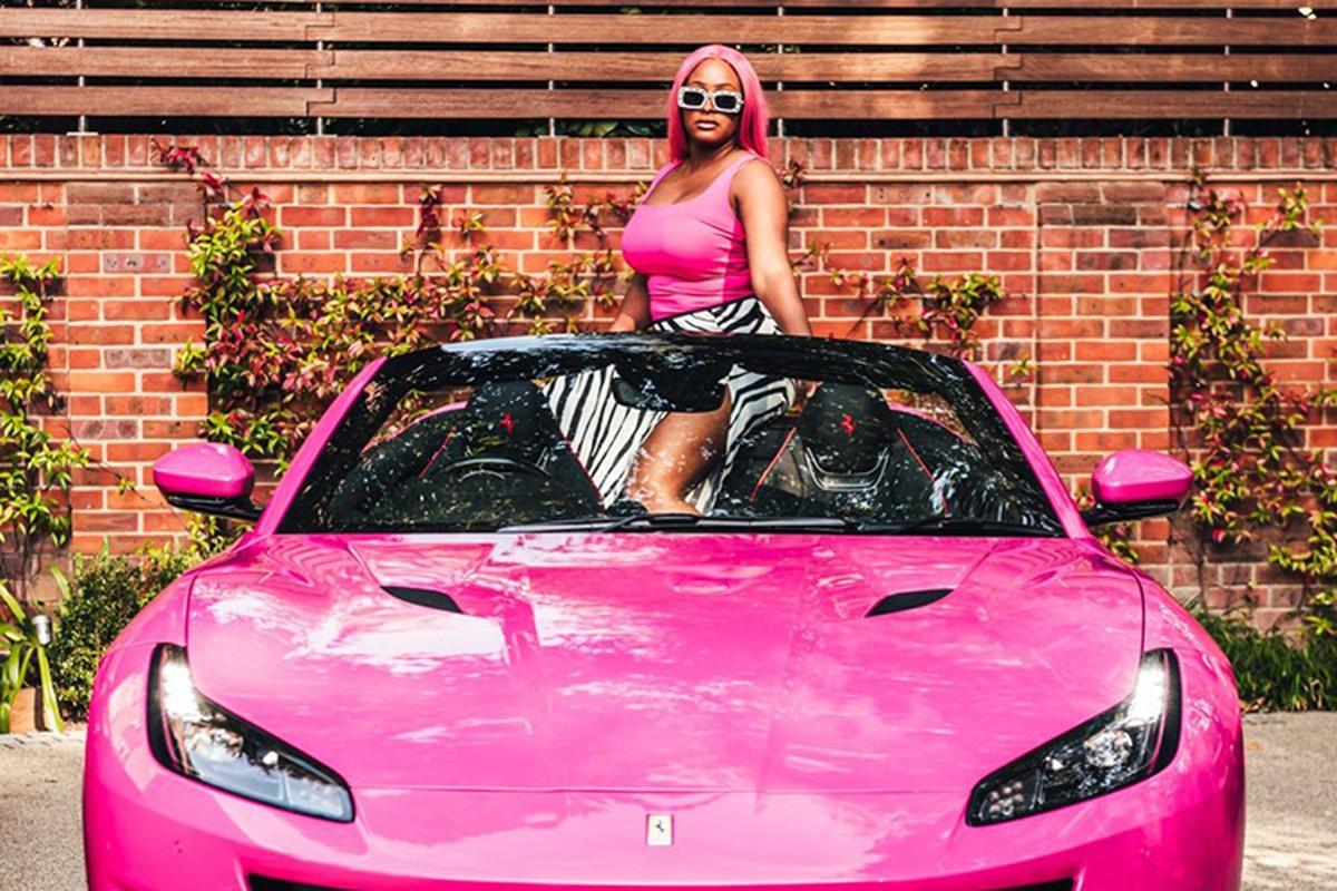 Ty phu Nigeria mua 3 sieu xe Ferrari Portofino tang con gai-Hinh-9
