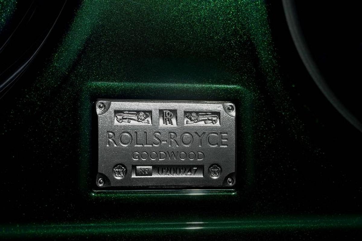 Xe sieu sang Rolls-Royce Ghost 2021 them ban than dai Extended-Hinh-2