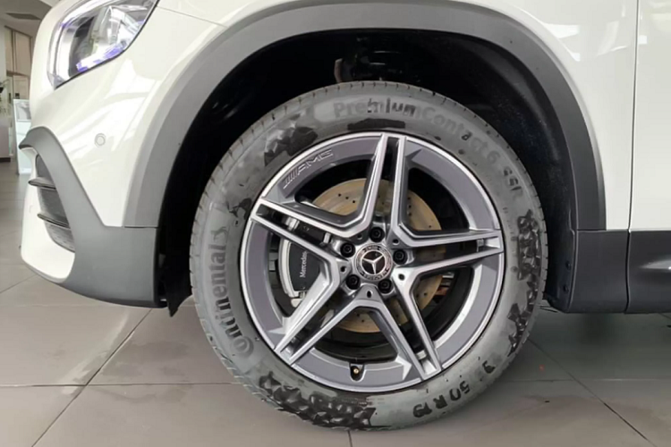 Can canh Mercedes-Benz GLB hon 1,9 ty dong tai Viet Nam-Hinh-7