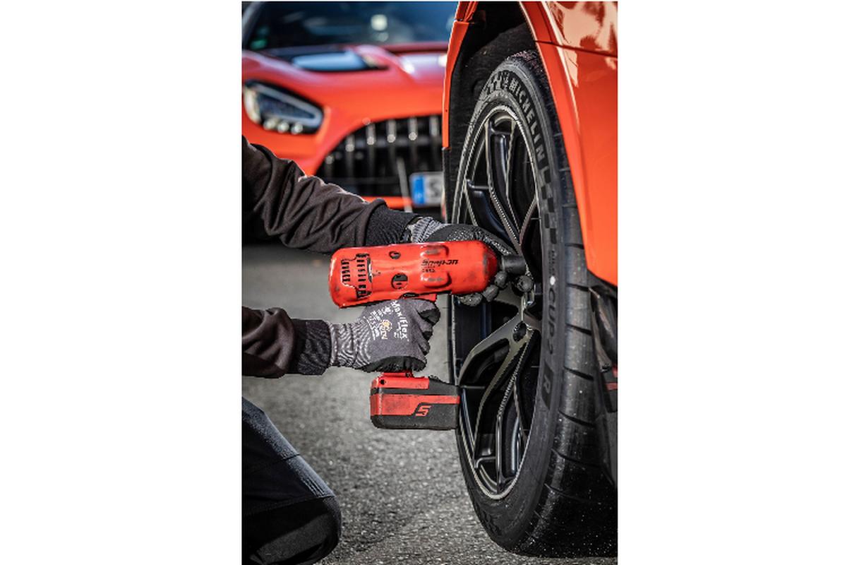 Mercedes-AMG GT, xe thuong mai nhanh nhat tai Nurburgring-Hinh-5